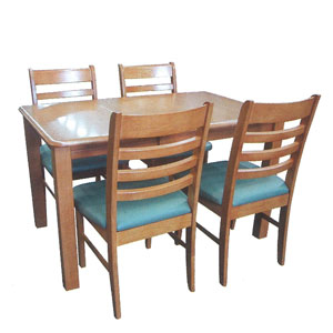 kitcen_table_chair_b[1]